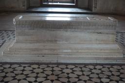 His tomb up close